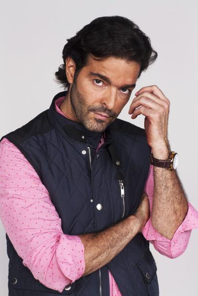 Pablo Montero dará vida al hermano menor de Fernando. Es soltero, fieste...