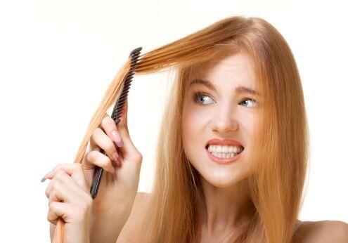 ¡El cepillado de tu pelo en abundancia es mega dañino! Arrancas de forma...