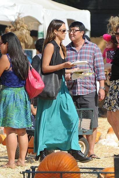Jessica Alba e hijas en busca de su calabaza
