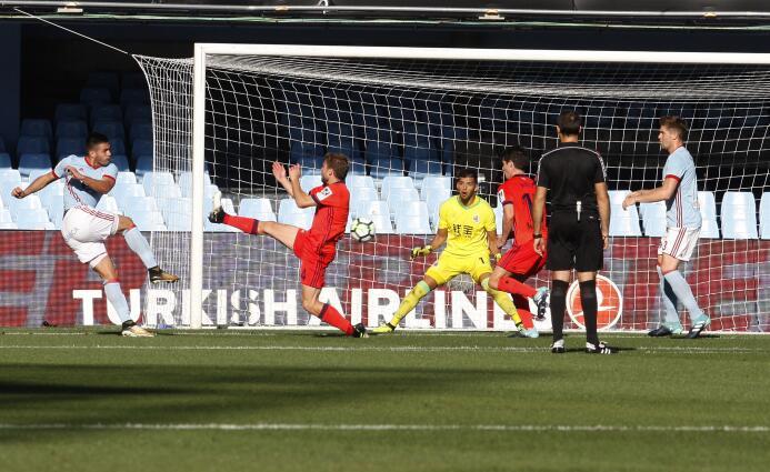 Con Vela, la Real Sociedad remontó y ganó al Celta en Vigo 6363876816490...