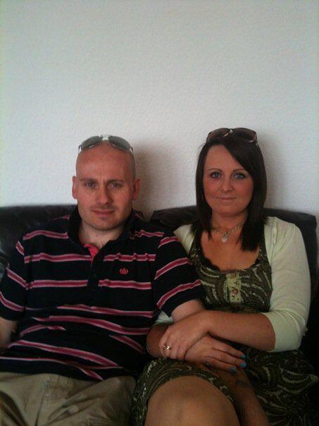 Carmelle de 32 años y su esposo Steve Hartgrove de 36 fueron las persona...