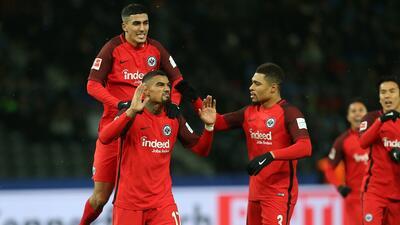 Eintracht sale con el botín de la cancha del Hertha Berlín