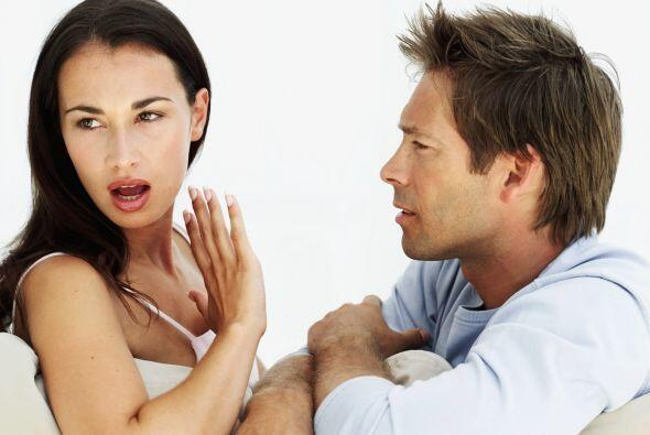 Peligros que debes evitar: La imprudencia. Comentar con terceros secreto...