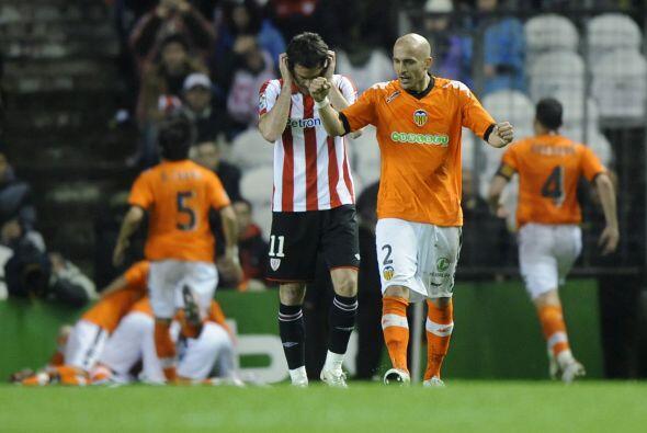 Gran victoria del Valencia, que se confirmó como el dueño del tercer lug...