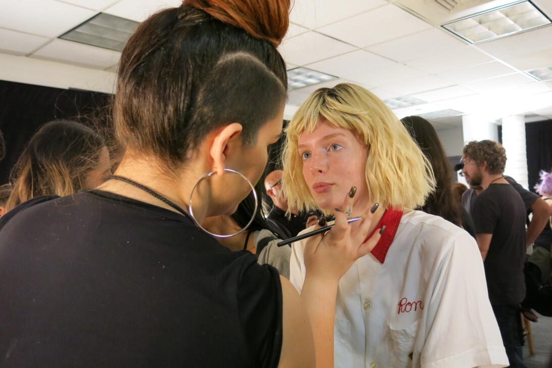 Las pelucas y el maquillaje del desfile de Georgine en NYFW IMG_4185.jpg