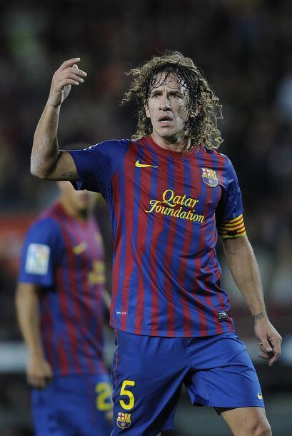 En la defensa también está el español Carles Puyol.