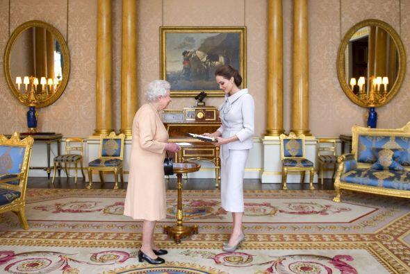 Jolie se encontraba en Londres, justamente en la cumbre sobre la violenc...