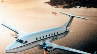 El empresario compró en una subasta el avión 6 millones de pesos (456 mi...