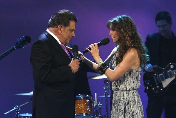 Thalía fue una de las estrellas que llegó a agasajar a en...