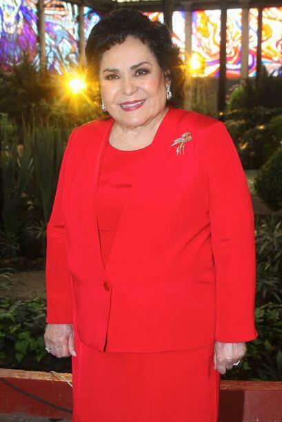 No podía faltar Carmen Salinas quien interpretará a una mujer interesada...