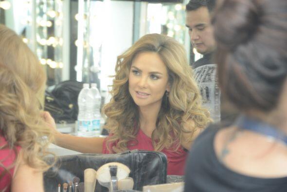 Aunque la guapísima Ximena Córdoba no necesita mucho arreglo, se dejó ap...