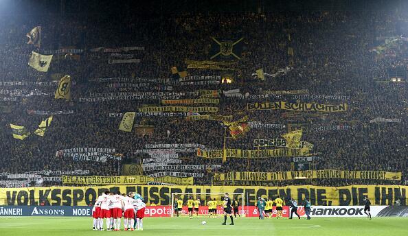 """Cuando """"La Muralla Amarilla"""" del Dortmund estalló en cólera 4.jpg"""
