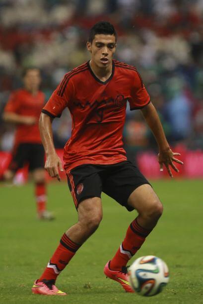Esta posible salida del Porto daría espacio para que el mexicano Raúl Ji...