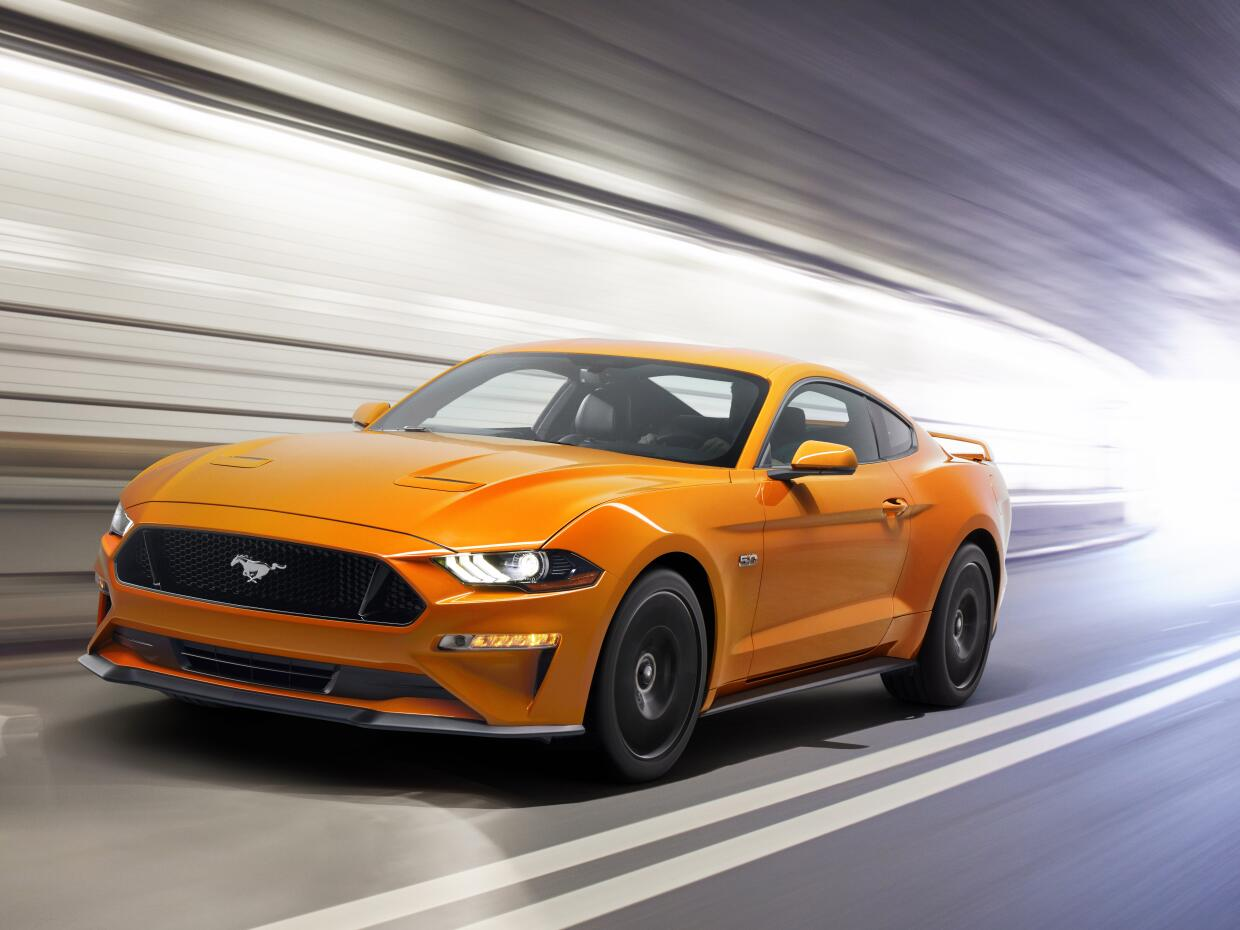 Pruebas de Manejo New-Ford-Mustang-V8-GT-with-Performace-Pack-in-Orange-...