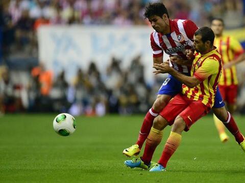El ganador de la pasada Liga española, Barcelona, y el campe&oacu...