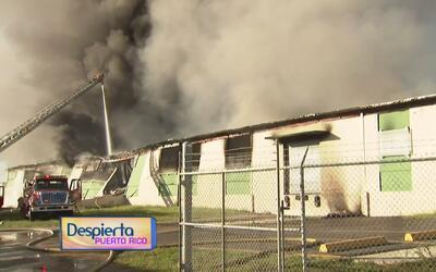 Detalles del incendio registrado en un almacén de neumáticos en Juncos