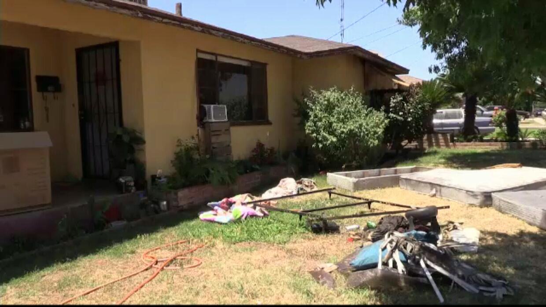 Después de que se incendió la casa, robaron a los propietarios