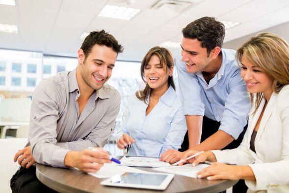 Compartirás tiempo con compañeros de trabajo que te ayudarán mucho en tu...