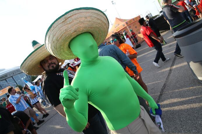 Fans Mexico vs Argentina Texas
