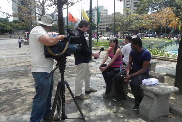 Mientras en Plaza Altamira, punto de encuentro de la oposición, algunos...