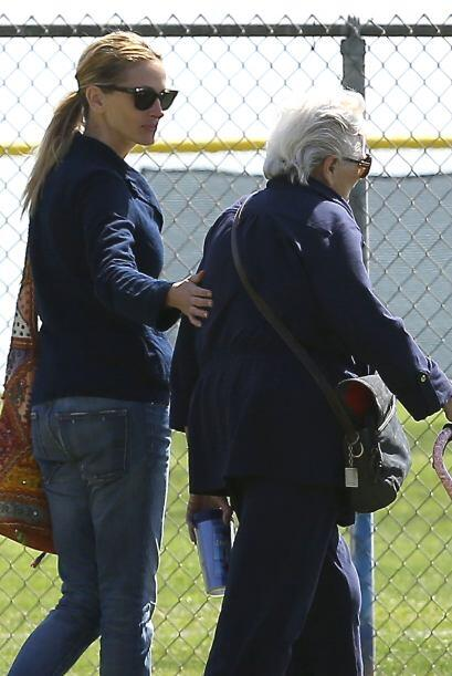 Madre e hija se vieron animadas y tranquilas luego de los rumores alrede...
