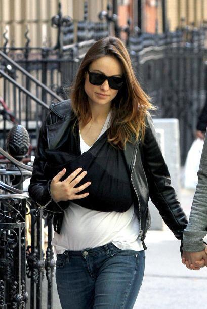 La estrella de cine se estrenó como mamá recientemente y ya pasea a su b...