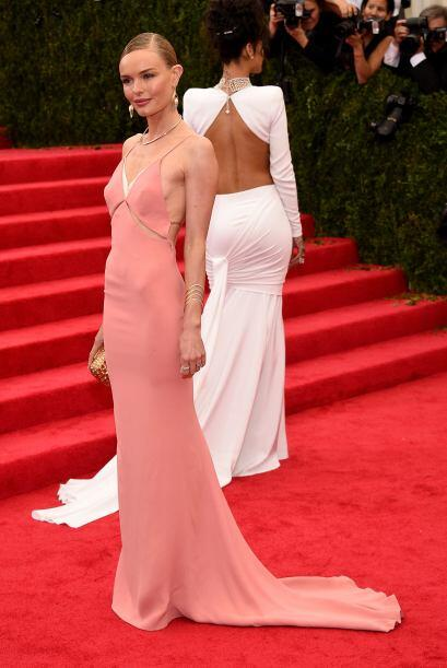Kate Bosworth es tan delgada, que se puede dar el lujo de usar este tipo...