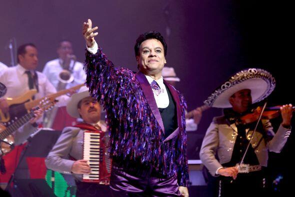 """El """"Divo de Juárez"""" se presentó en el Teatro Nokia de Los Ángeles, donde..."""