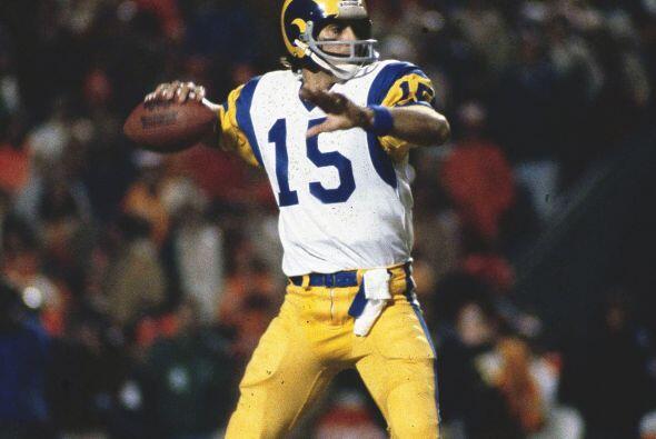 12. Vince Ferragamo - 509 yardas: Los Angeles Rams vs. Chicago Bears, 26...