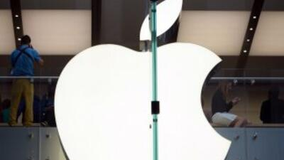 En respuesta Apple dejó en claro que sus contratos sí cumplen con las le...