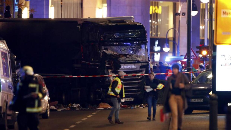 El camión venía de Polonia y su conductor fue asesinado por el atacante...