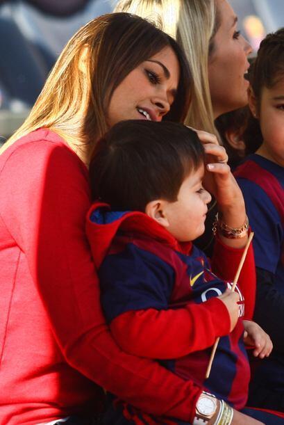 Thiago es el consentido de mami.
