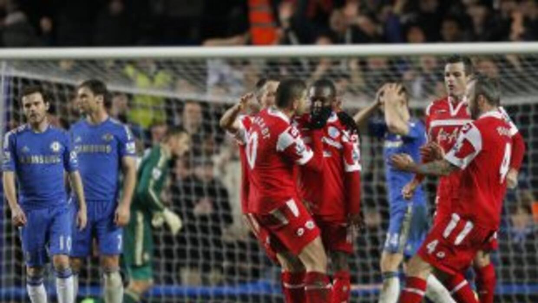 Los 'Blues' no podían cree que en su estadio eran derrotados por el QPR,...