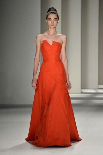 El color naranja fue uno de los que más resaltó de su colección otoño-in...