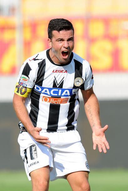 Antonio Di Natale marcó un gol para los suyos y el Udinese ganó por 2-0.