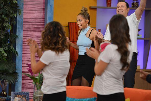 "Alan la recibió con una enorme sonrisa. ""Jennifer Lopez in the house"", d..."