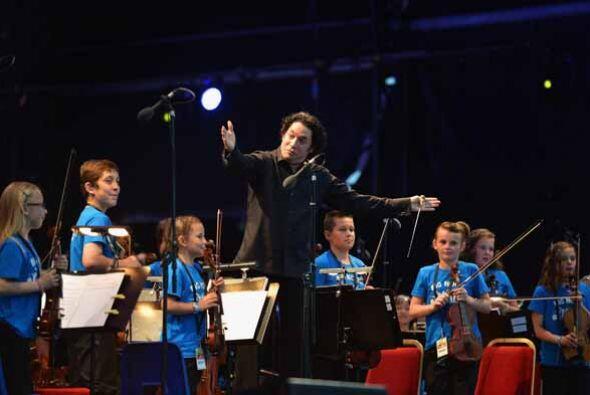3-Tocar en el Disney Hall tocamos junto a Dudamel, YoLA (Programa de orq...