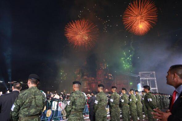 Elementos de la policía y el Ejército resguardaron la seguridad.