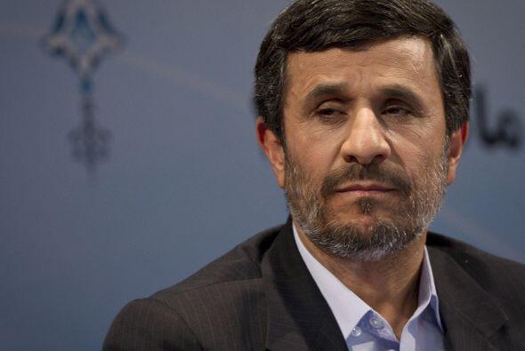 Por su lado, el gobierno de Mahmoud Ahmadinejad en Irán decidió menospre...