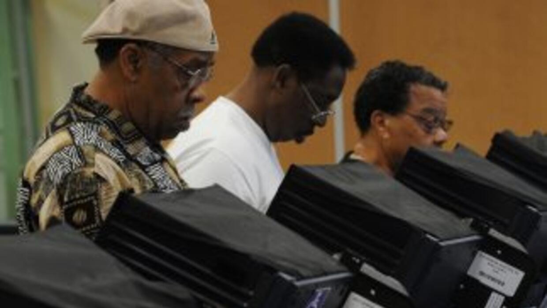 Millones de hispanos están registrados para votar. El tema es si saldrán...