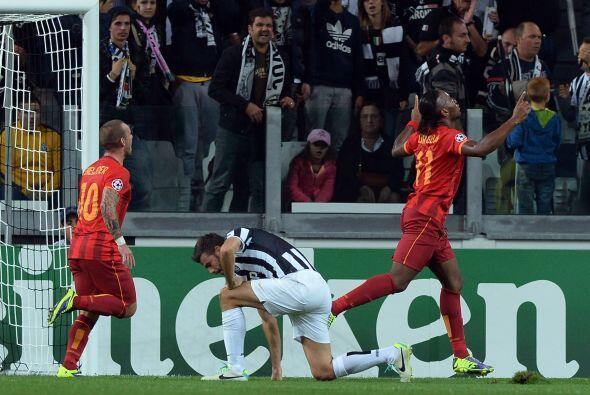 El marfileño Didier Drogba hacía el 0-1.