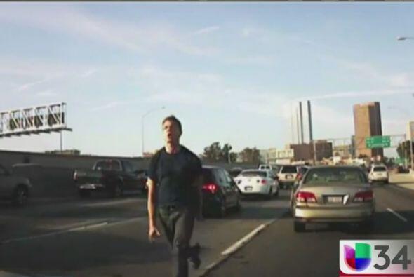 Este chofer con placas de Illinois fue grabado mientras explotaba en una...