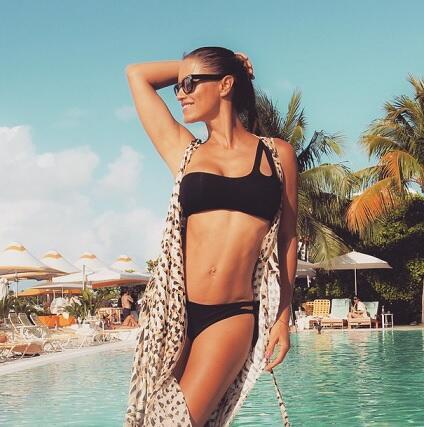 Lola Ponce Bikini