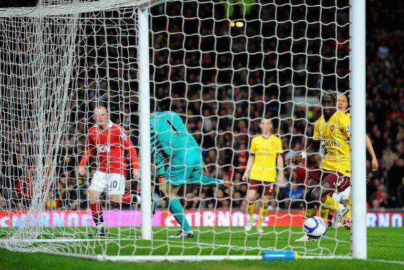 El equipo de Ferguson seguía decidido al ataque en busca de otro gol y l...