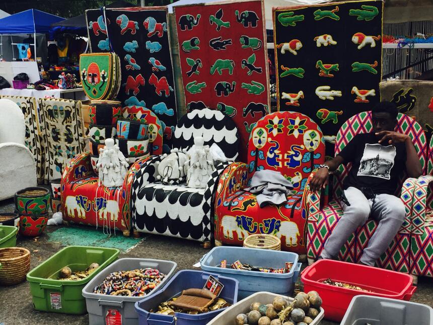 Los tejidos se tiñen con extractos vegetales, según comerciantes.