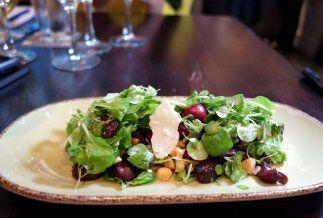 """La """"Ensalada Wynwood' es un plato muy fresco y llamativo, ideal para aco..."""