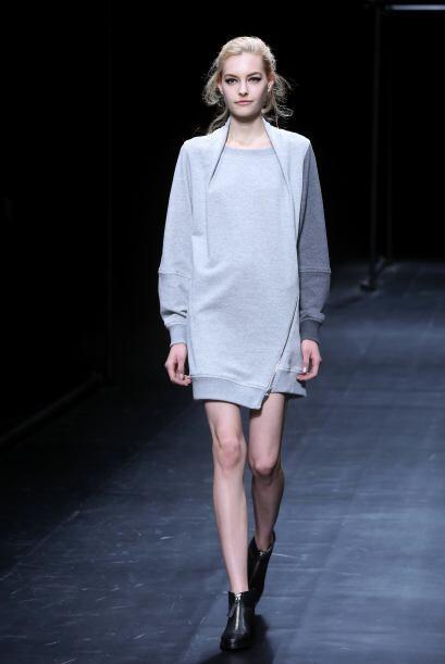 Los modelos logran que las prendas sean el centro de atención.