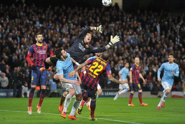 Barcelona y Manchester City jugaron un intenso duelo en la ida de octavo...