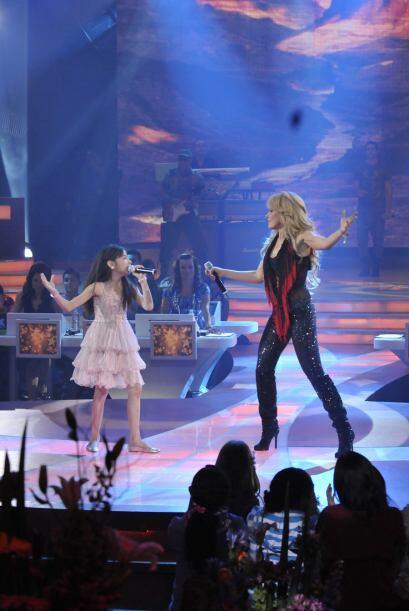 Magaby fue la más emocionada de cantar al lado de su ídolo...