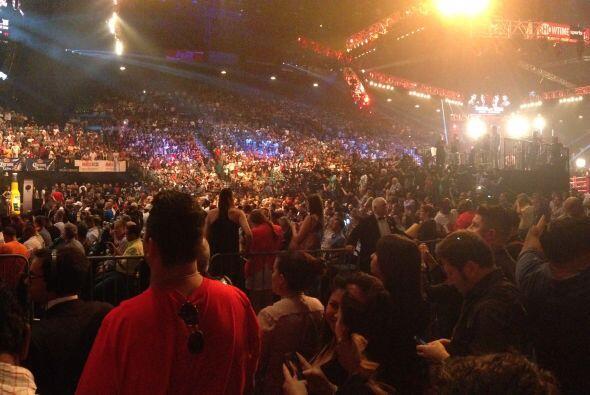 Más de 12,00 personas acudieron al pesaje de Mayweather VS. Canel...